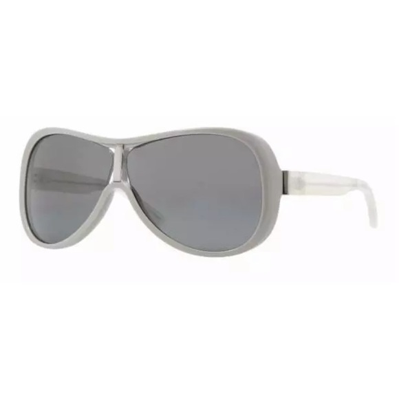 Burberry Accessories - Bureberry unisex sunglasses 😎